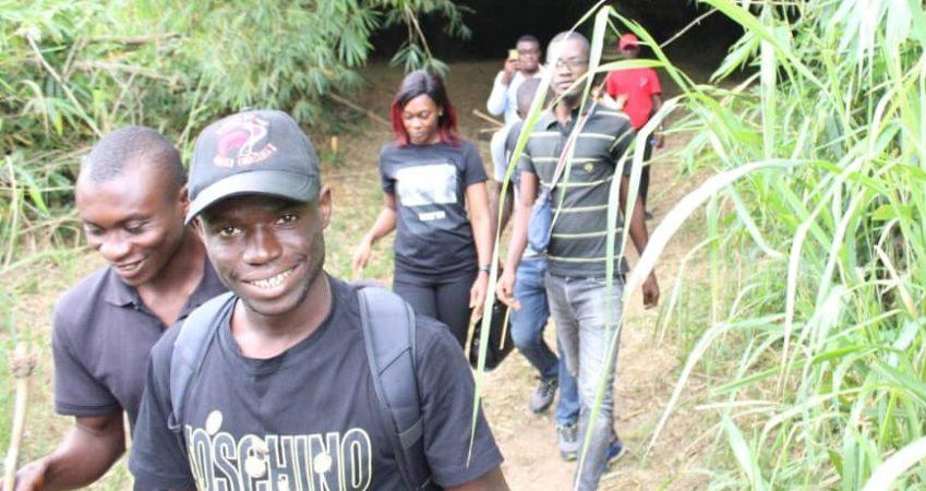 Sensibilisation d'un groupe d'adolescents sur l'importance de préserver la réserve naturelle de Dahliafleur à travers l'écotourisme